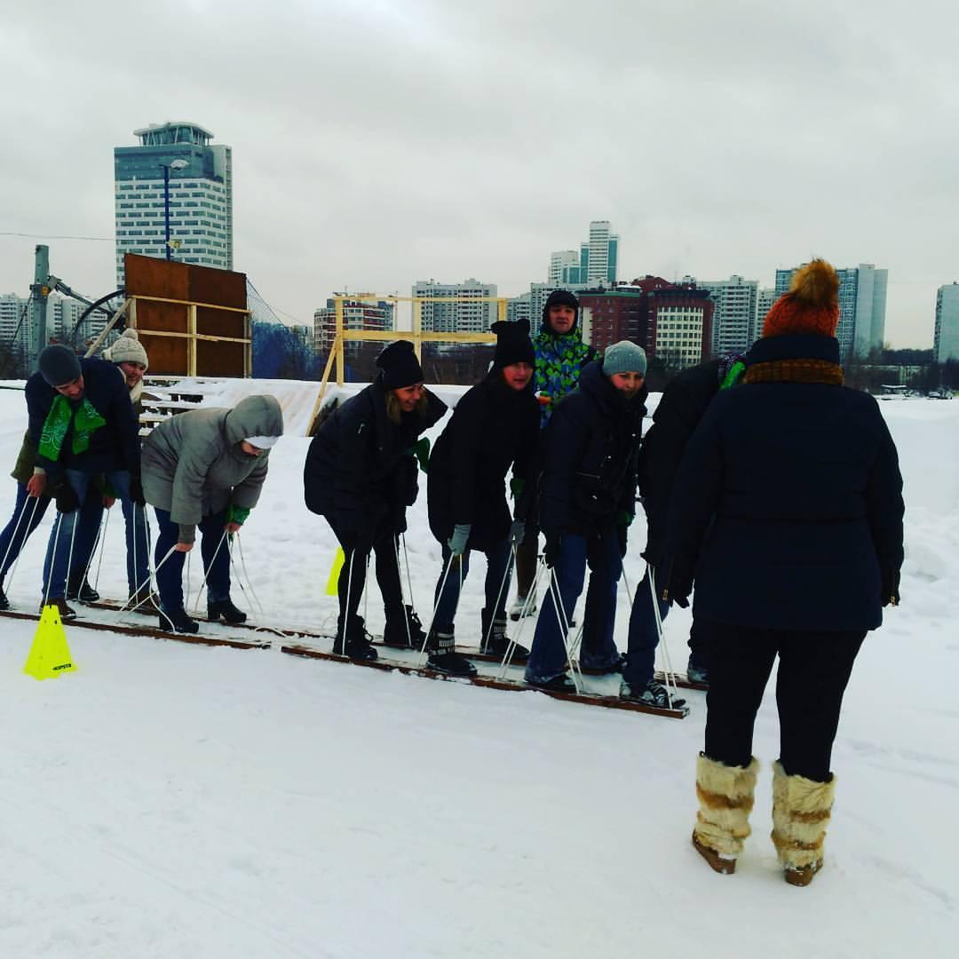 Фото проведения тимбилдинга по программе Лыжи от Red-g