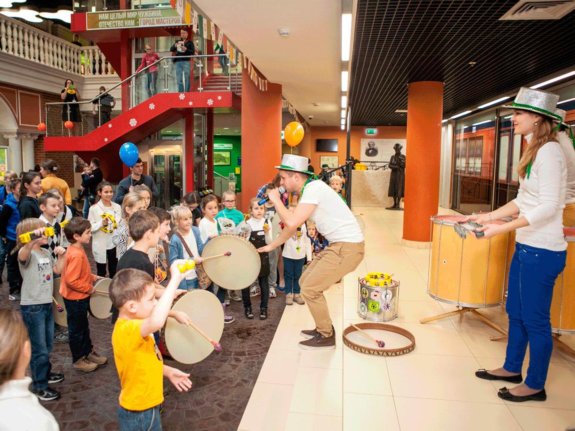 Фото проведения барабанного тимбилдинга от Red-G