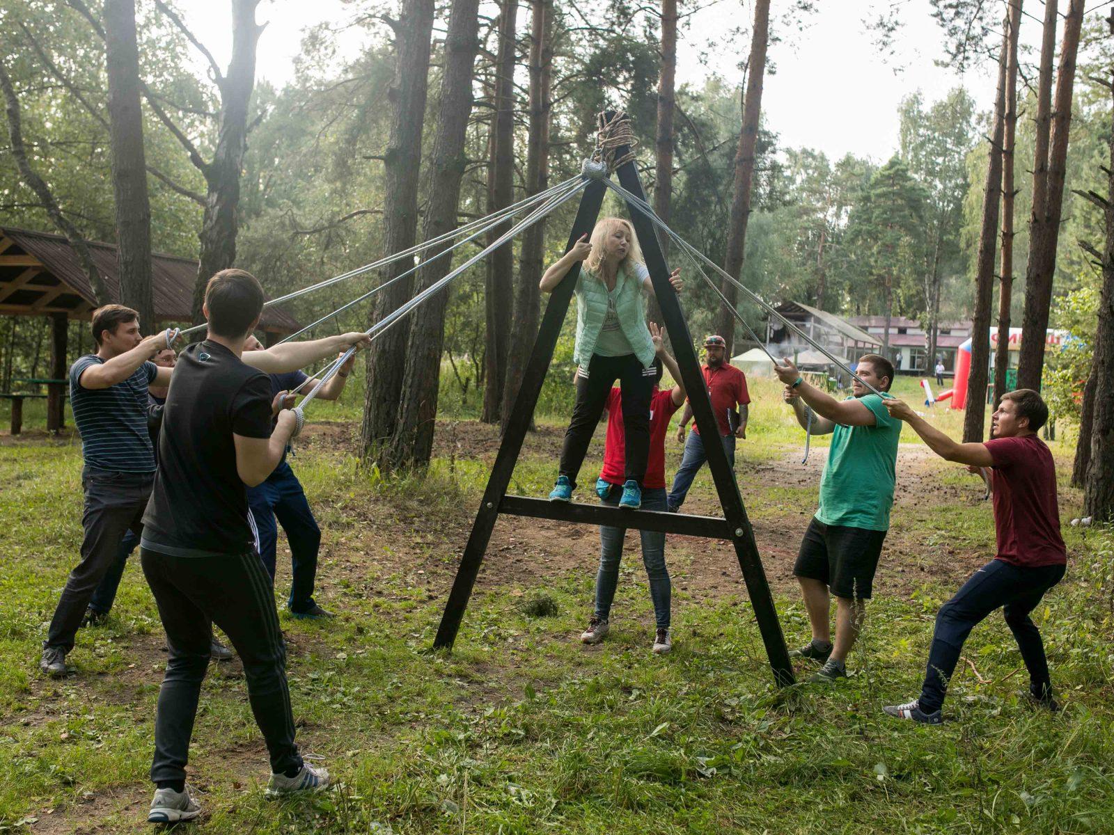 Фото проведения тимбилдинга по программе Буква А треугольник от RedG