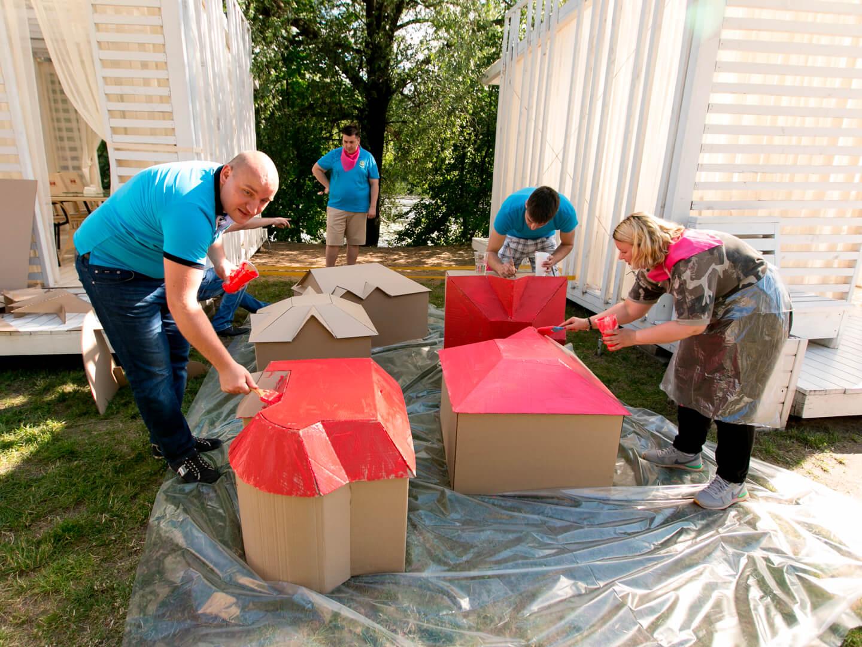 Фото проведения картонного тимбилдинга от Red-G