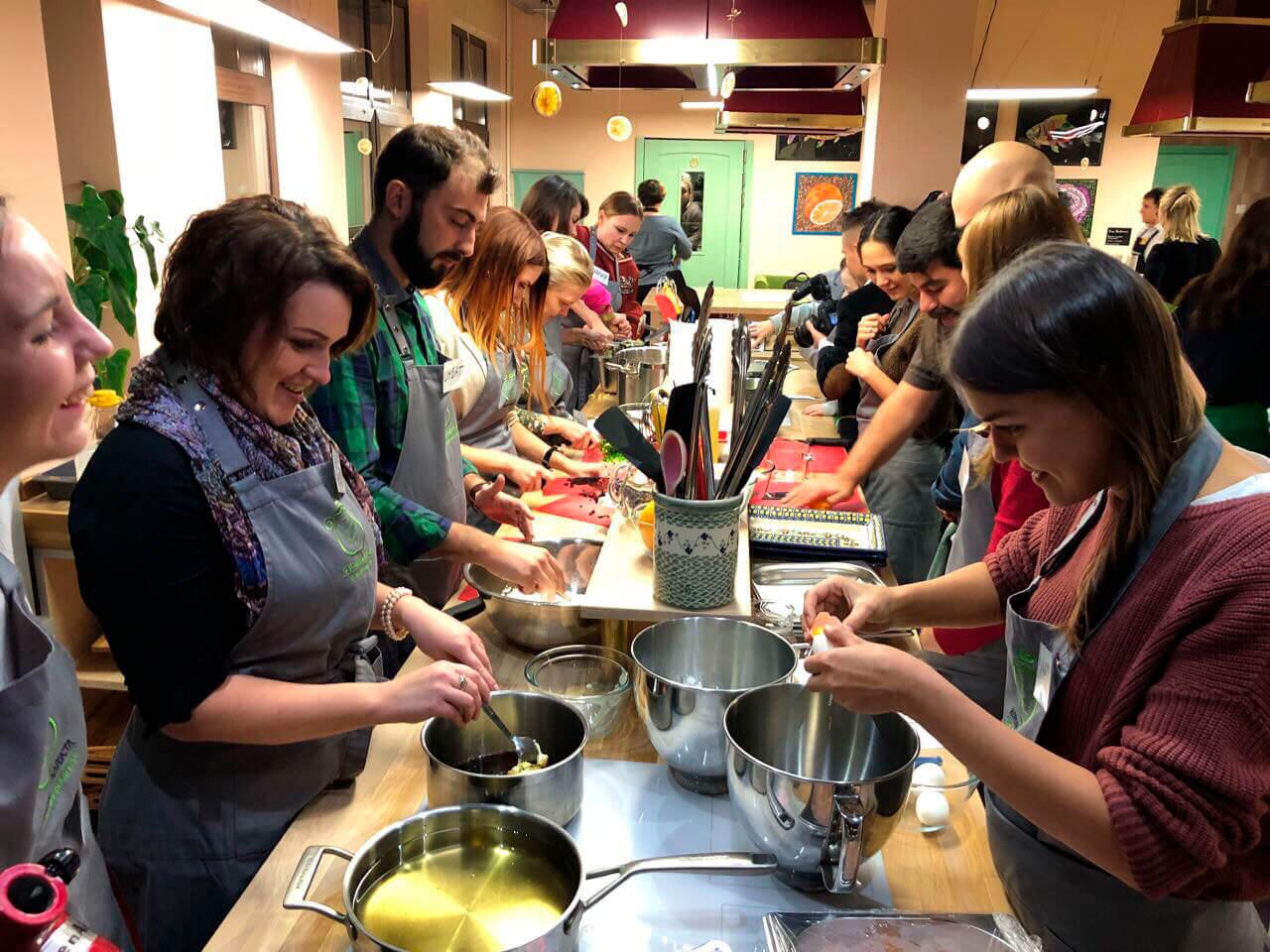 Фото проведения кулинарного тимбилдинга от RedG