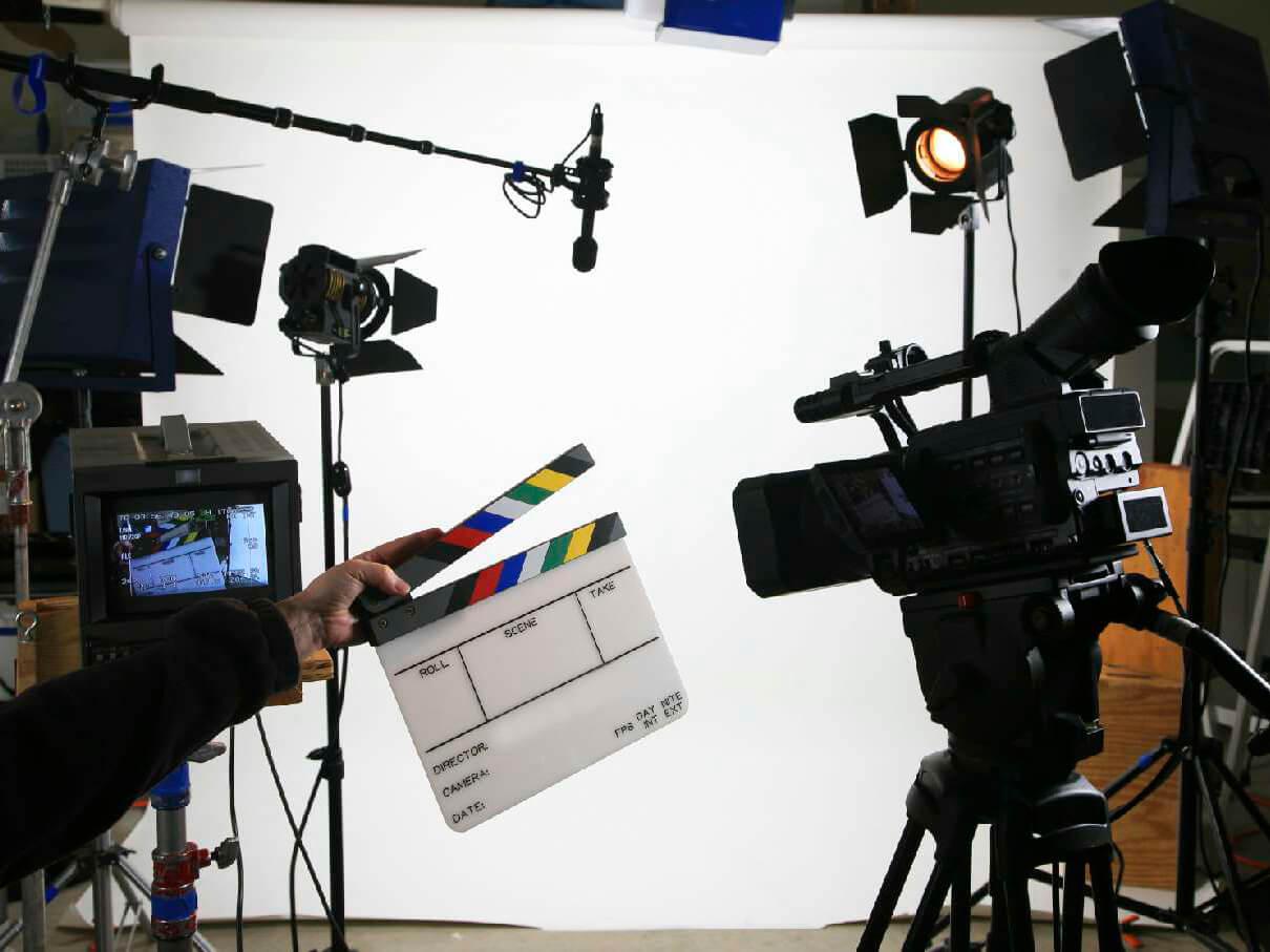 Фото проведения тимбилдинга по программе съемка вирусного ролика от RedG