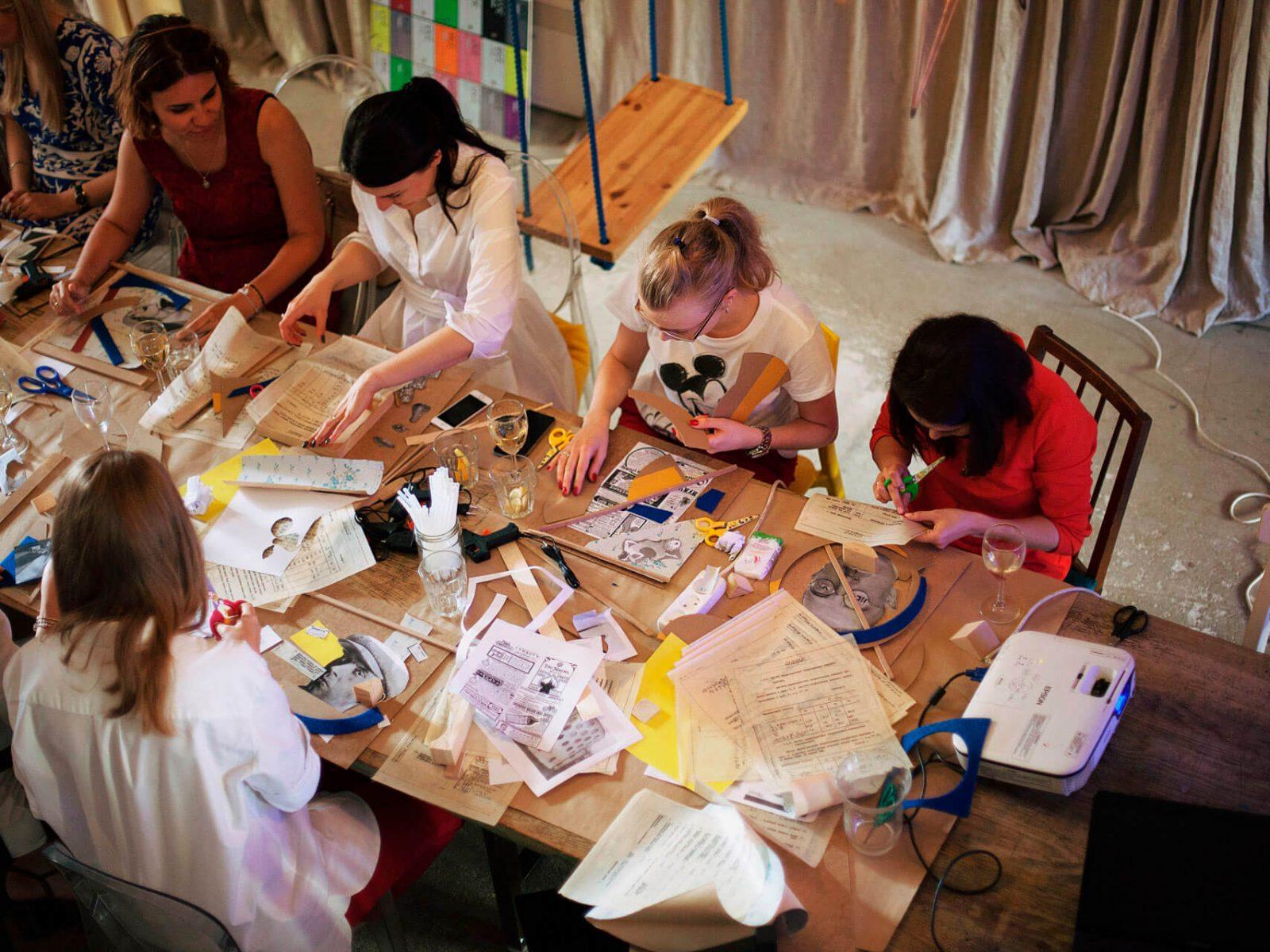Фото проведения творческого тимбилдинга от RedG