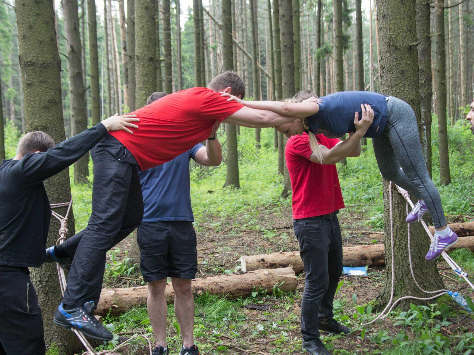 Фото проведения тимбилдинга по программе Высокая растяжка от RedG