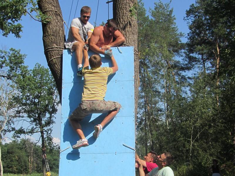 Фото проведения тимбилдинга по программе Стена от RedG