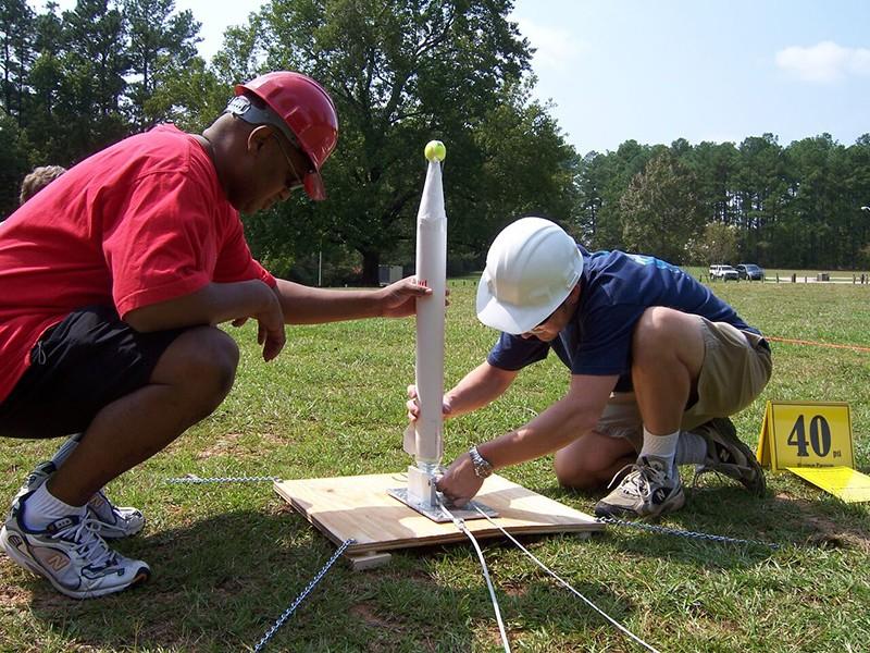 Фото проведения тимбилдинга по программе Запуск ракеты от RedG