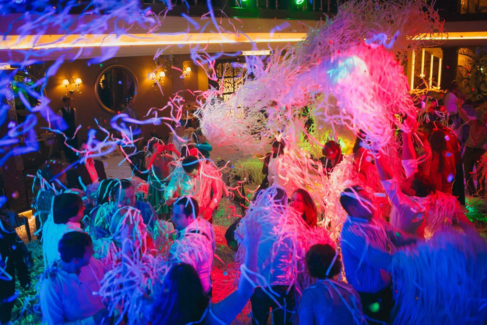 программа артист заказывать световой свадьба новогодний год мероприятие танцевальный бармен проведение корпоративный праздник яркий хороший шутки от ведущего артисты сигарное фокусник на праздник программа кого пригласить развлечения