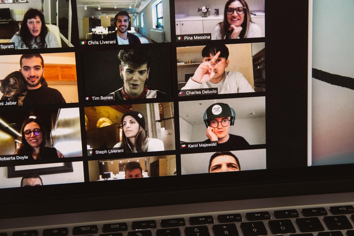 проведение онлайн конференции и мероприятия